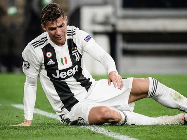 Juventus dừng bước sớm cúp C1: Ronaldo bị tố chê bai đồng đội