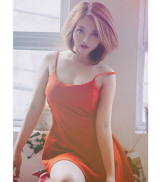 Hot girl nhóm hài Kem Xôi - Nguyễn Trà My là một trong 32 hot girl tham gia Nóng cùng World Cup 2018. Cô sở hữu gương mặt xinh đẹp cùng thân hình gợi cảm.