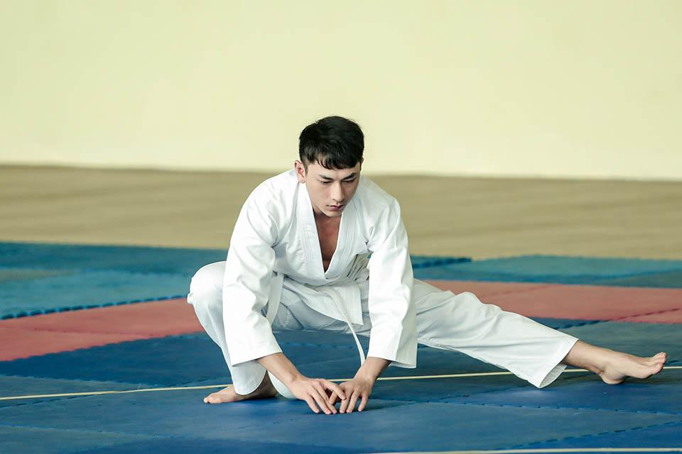 Isaac nhóm 365 từ bỏ vẻ thư sinh, đi học võ Judo vì lý do này - 1