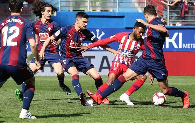 Eibar - Atletico Madrid: Siêu dự bị tỏa sáng, vỡ òa phút 85 - 1