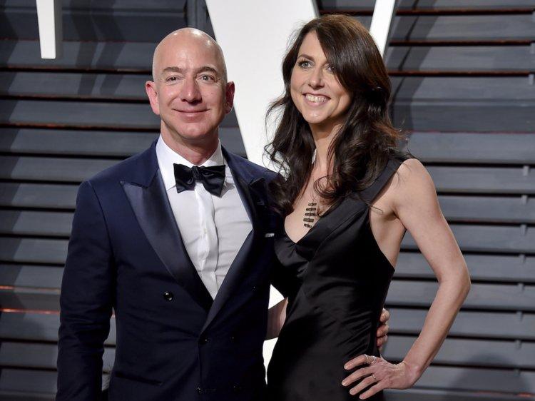 Điều gây ngạc nhiên sau khi tỷ phú giàu nhất thế giới và vợ cũ ly hôn - 1