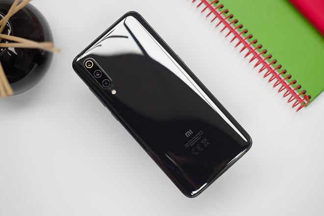 Xiaomi sẵn sàng ra mắt 2 smartphone xịn với camera bật lên - 1