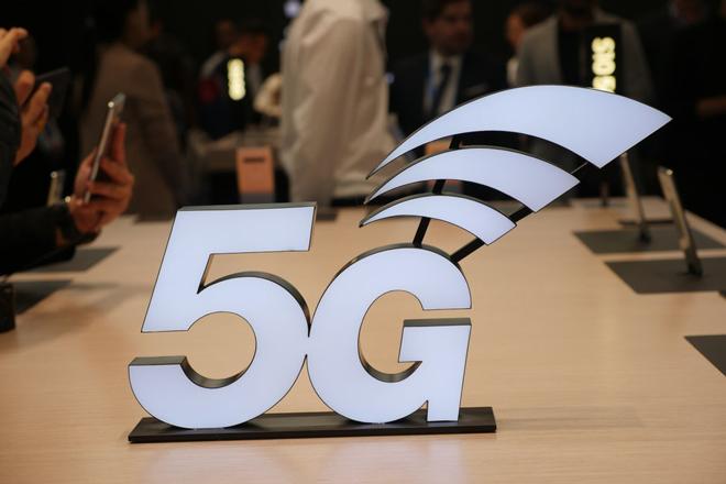 """HTC cũng sẽ có smartphone 5G, """"cuộc chiến"""" 5G đang ngày càng thú vị - 1"""