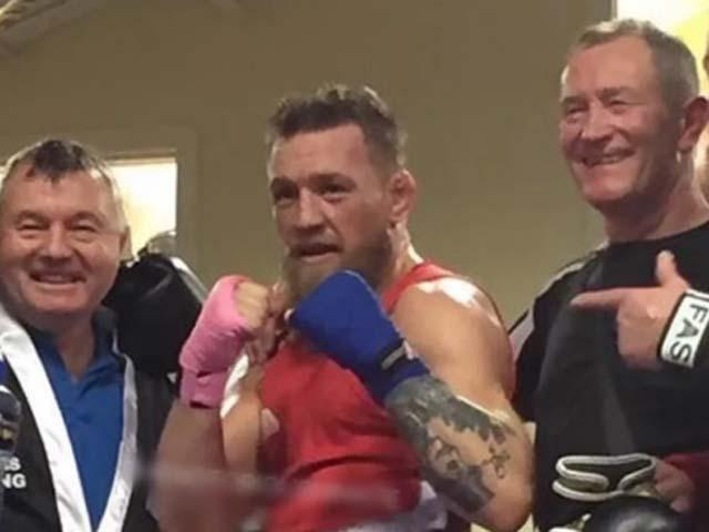 Tin thể thao HOT 22/4: McGregor chuyền hướng sang boxing ngiệp dư?