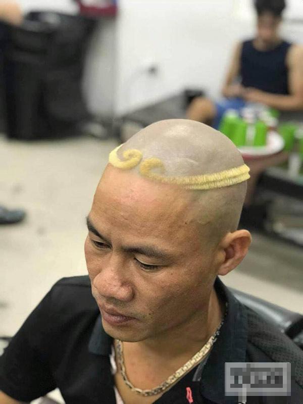 """Những kiểu tóc có """"1-0-2"""" của đàn ông Việt khiến người ta phải cười lăn - 1"""