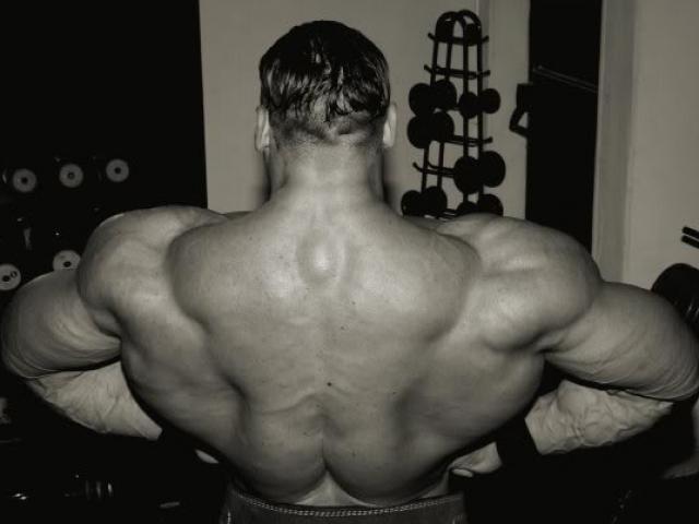 Lực sỹ thể hình nặng nhất thế giới 1,5 tạ: Hai vai to như bò tót