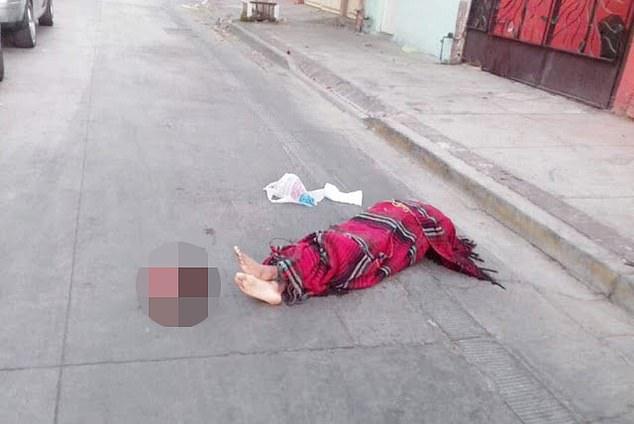 Băng đảng Mexico đại chiến, xác người không đầu nằm rải rác trên đường phố - 1