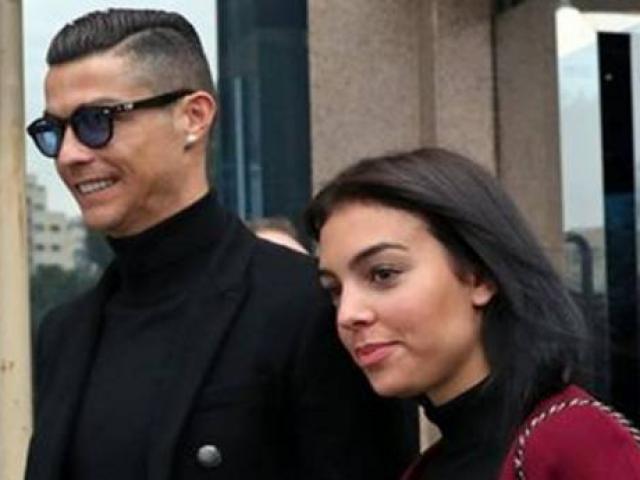 Ronaldo làm Vua Serie A: Bạo chi hưởng lạc với mỹ nữ, thiên hạ trầm trồ