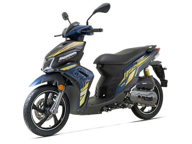 Ở Malaysia, mẫu xe tay ga này có giá rất hấp dẫn chỉ 29,7 triệu VNĐ, tức là rẻ hơn cả chục triệu đồng so với xe tay ga cùng phân khúc Honda Air Blade có bán tại thị trường Việt Nam.