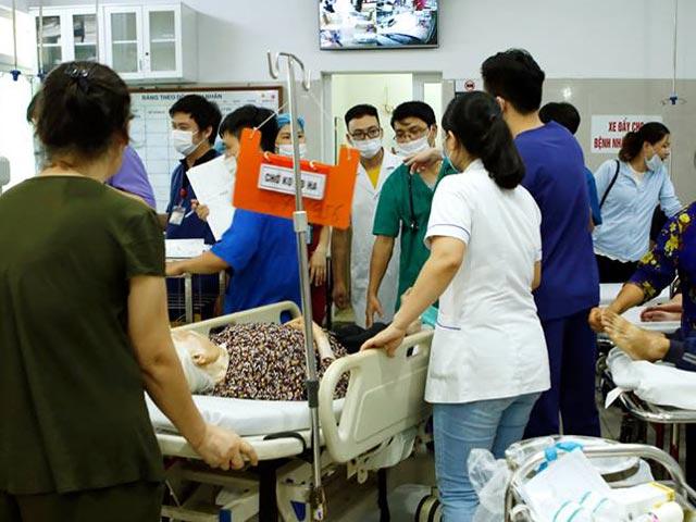 Bác sĩ trẻ đột quỵ, tử vong sau khi đá bóng trong ngày nắng nóng - 1