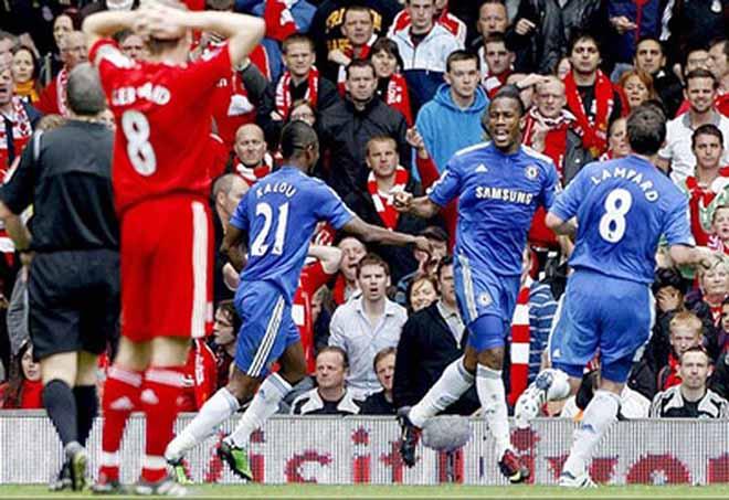 """MU thua Man City: Nghi án """"Quỷ đỏ"""" học Gerrard, cố tình cản bước Liverpool - 1"""