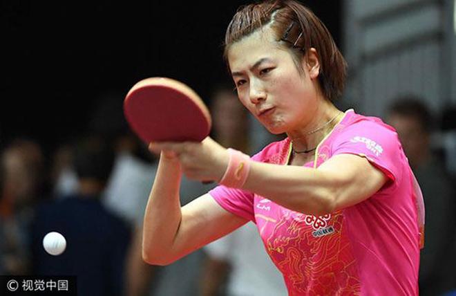 Tay vợt số 1 quên mặc váy vẫn thi đấu: Mất mặt với cả thế giới - 1