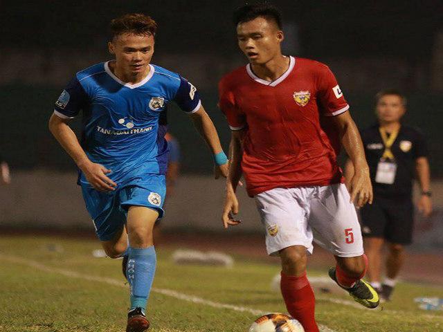 Siêu kịch tính bóng đá Việt Nam: Dẫn 3-0 vẫn mất điểm vì 2 thẻ đỏ