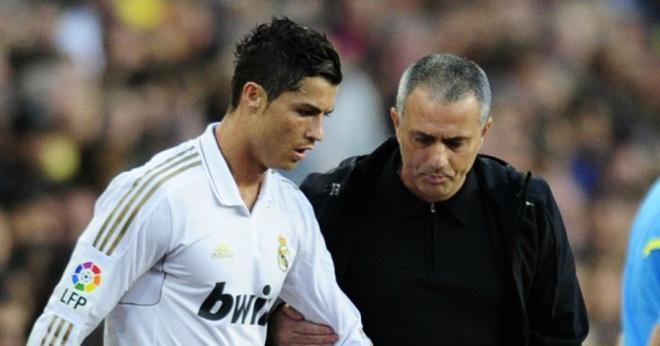 """Tiết lộ thâm cung bí sử Real: Ronaldo từng suýt bị Mourinho """"cho toi đời""""? - 1"""