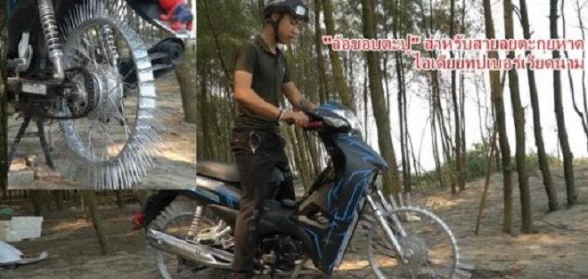 Xe máy gắn đinh của Youtuber Nguyễn Thành Nam lên báo ngoại - 1