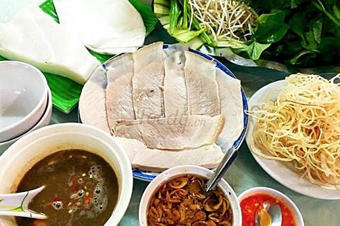 Đến Đà Nẵng nên thưởng thức những món ăn đặc sản nào? - 1