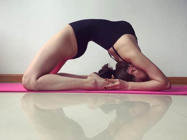 Hồ Ngọc Hà, Angela Phương Trinh tập yoga để có cơ thể gợi cảm