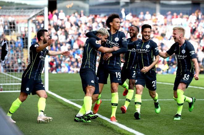 Đua vô địch Ngoại hạng Anh kinh điển: Man City xứng đáng hơn Liverpool? - 1