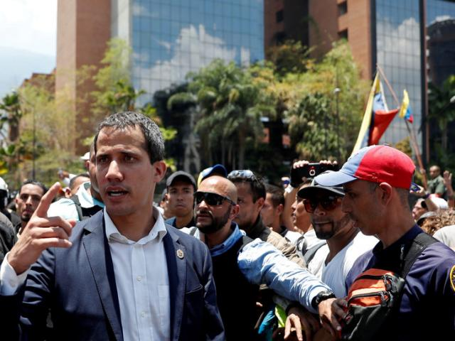 Tổng thống Venezuela tuyên bố đã đánh bại đảo chính