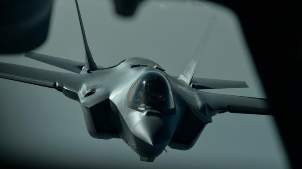 Tiêm kích tàng hình F-35A của Mỹ lần đầu thực chiến, dội bom khủng bố IS - 1