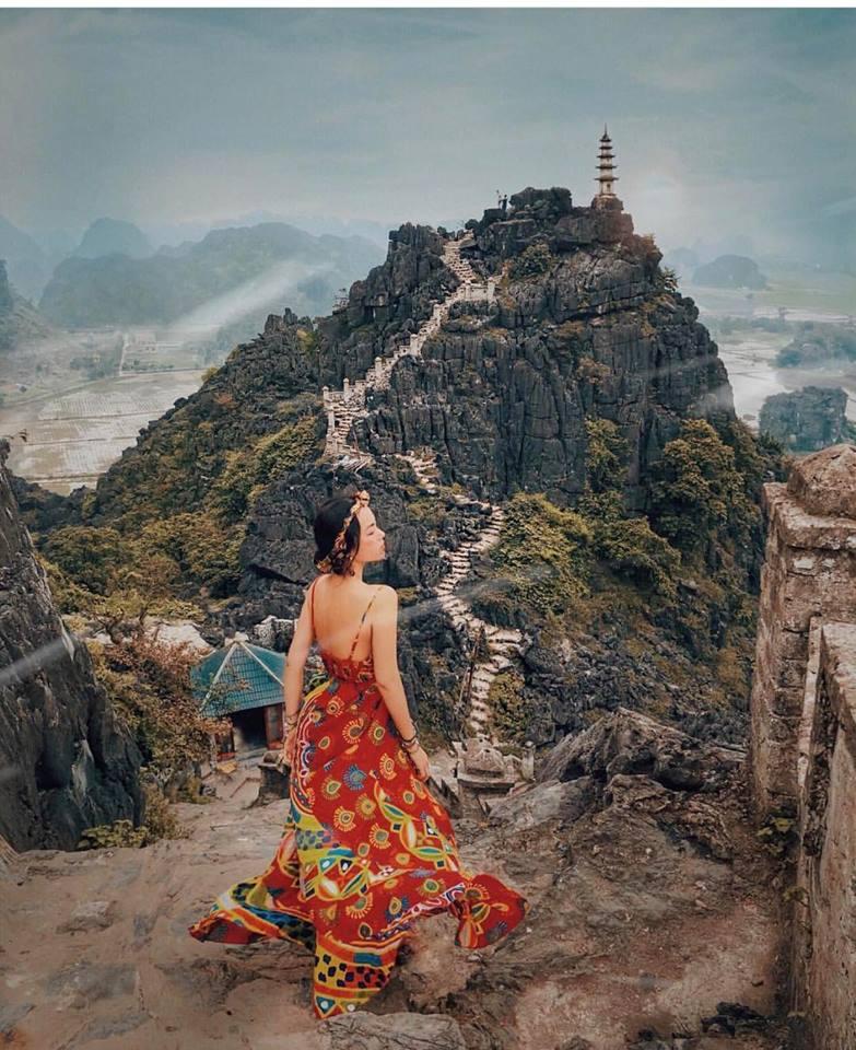 Người mẫu Hà Trúc: Cô gái truyền cảm hứng mặc maxi khi du lịch - 1