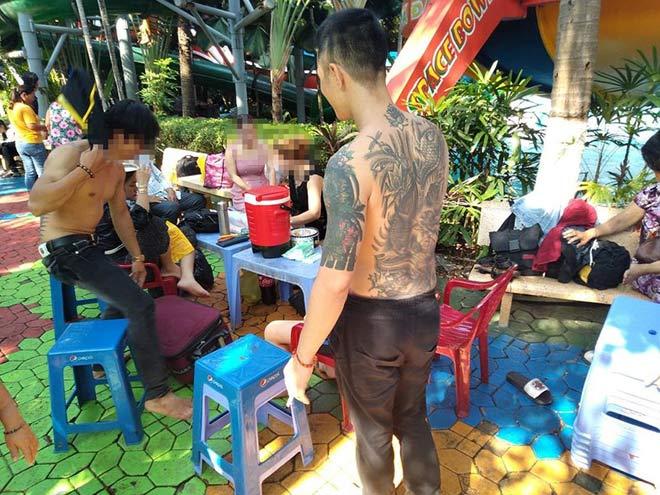 """Thảm án 3 người chết ở Bình Tân: """"Tôi cầu nguyện khi ngồi trong tủ"""" - 1"""