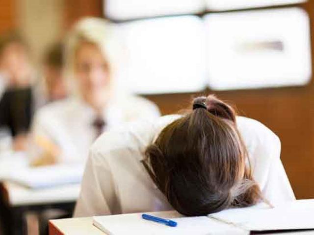 Để giúp con thoát thỏi thất bại trong thi cử, cha mẹ nên làm gì?