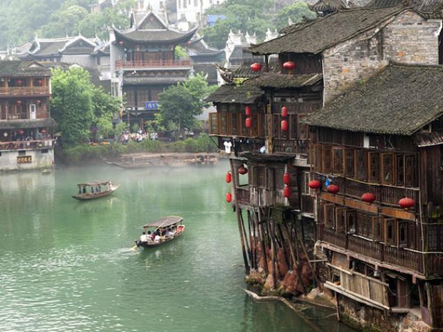 Những thị trấn nhỏ thanh bình khiến bạn ngỡ lạc vào phim cổ trang Trung Quốc