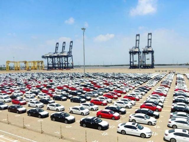 Kiếm thêm 4.000 tỉ đồng nhờ ô tô nhập khẩu tăng kỷ lục
