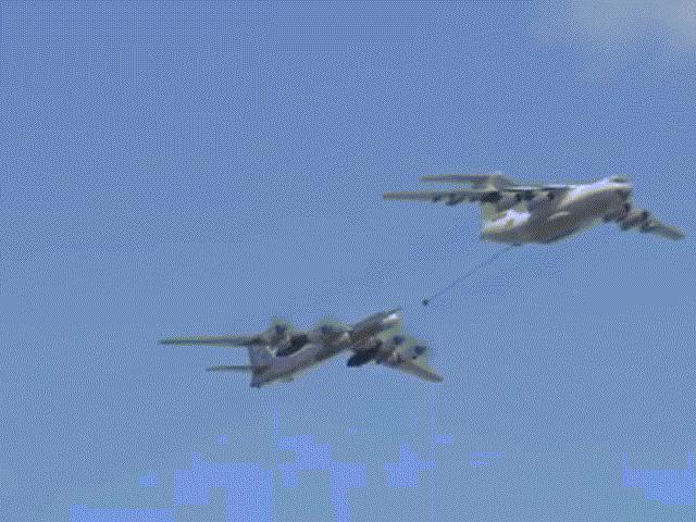 Màn trình diễn choáng ngợp của 74 máy bay hiện đại nhất của Nga