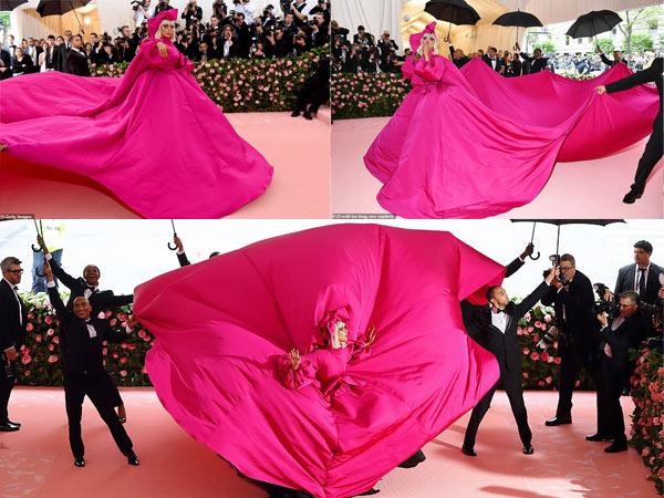 """Lady Gaga """"chơi lớn"""" 3 lần lột váy tại thảm đỏ Met Gala - 1"""