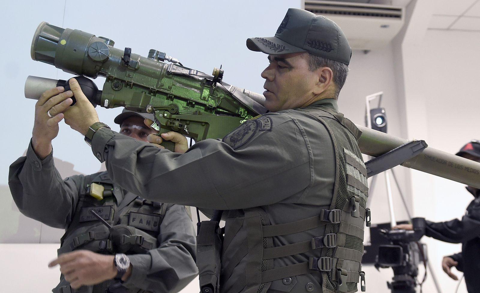Venezuela huấn luyện đội quân du kích thiện chiến dùng tên lửa Nga đánh Mỹ? - 1