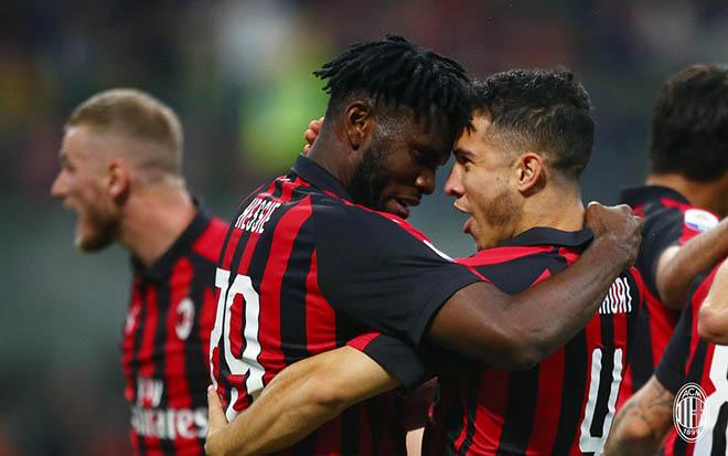 AC Milan - Bologna: Rực lửa 3 bàn thắng, 3 thẻ đỏ - 1