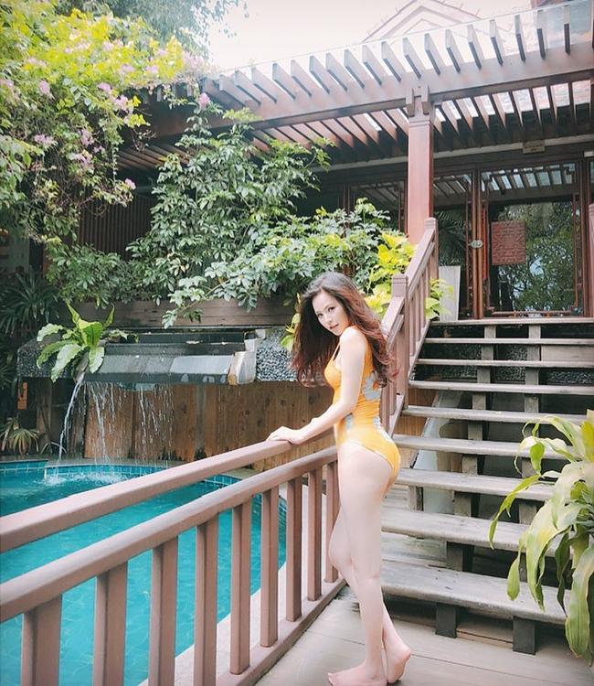 Thời gian rảnh rỗi, cô đi du lịch, nghỉ dưỡng ở resort hạng sang.