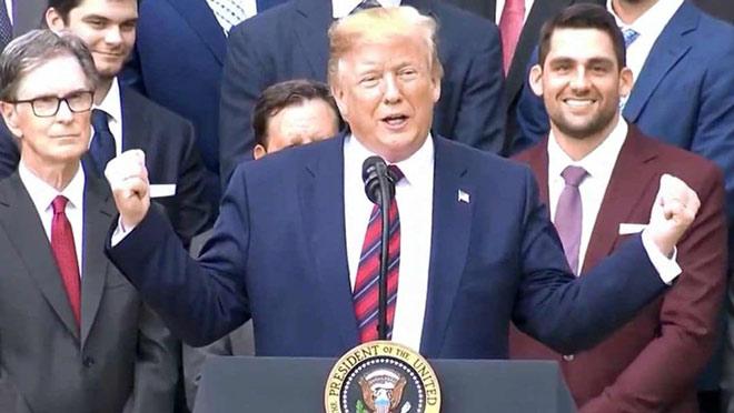 """Dàn cầu thủ """"cứng đầu"""": Tổng thống Trump mời không đến - 1"""