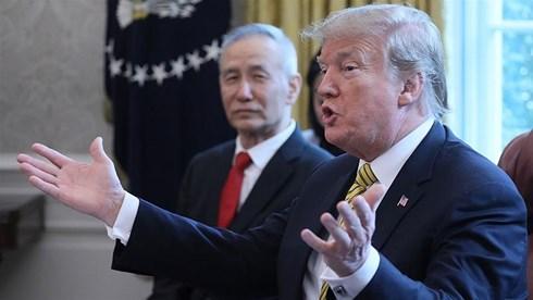 Mỹ chính thức mạnh tay đánh thuế, Trung Quốc thề trả đũa mạnh mẽ - 1