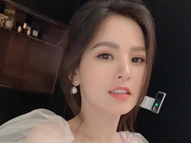 Đời sống Showbiz - Phi Huyền Trang nói gì khi bị dọa tung clip nóng?
