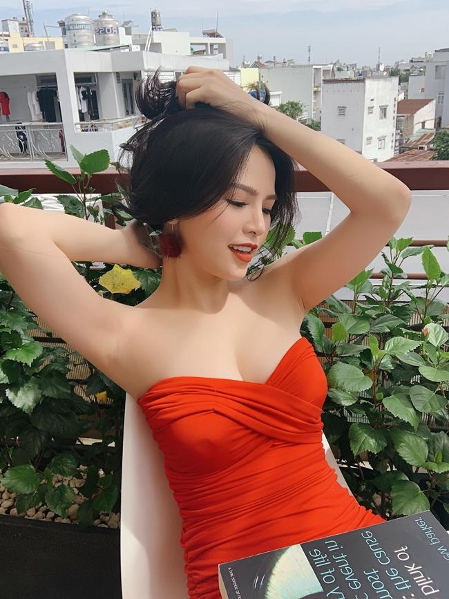 """Phi Huyền Trang được biết đến với biệt danh """"thánh nữ mì gõ"""" sau khi cô tham gia series phim sitcom """"Ghiền mì gõ""""."""