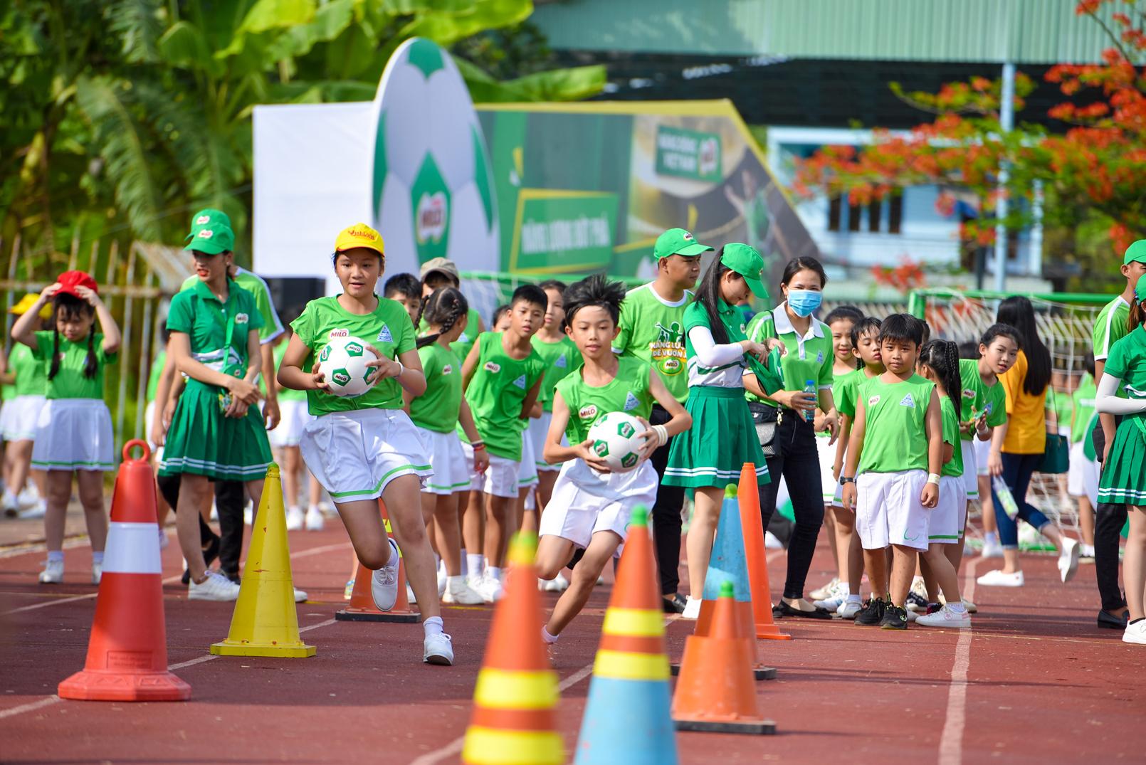 Màn đồng diễn thể dục của hơn 6000 học sinh xác lập kỷ lục Việt Nam - 9