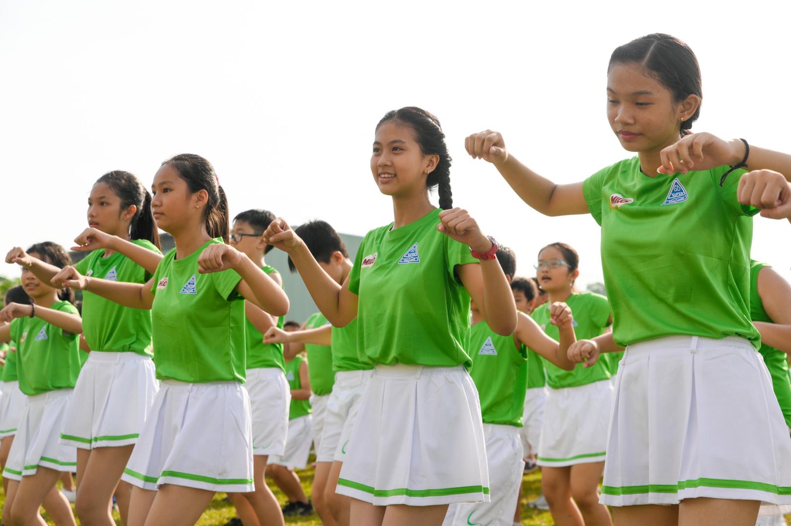 Màn đồng diễn thể dục của hơn 6000 học sinh xác lập kỷ lục Việt Nam - 12