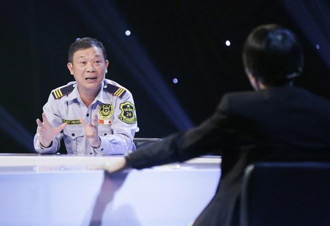 TS Lê Thẩm Dương nói gì về người bảo vệ nghèo nhặt được 6,3 ký vàng? - 1