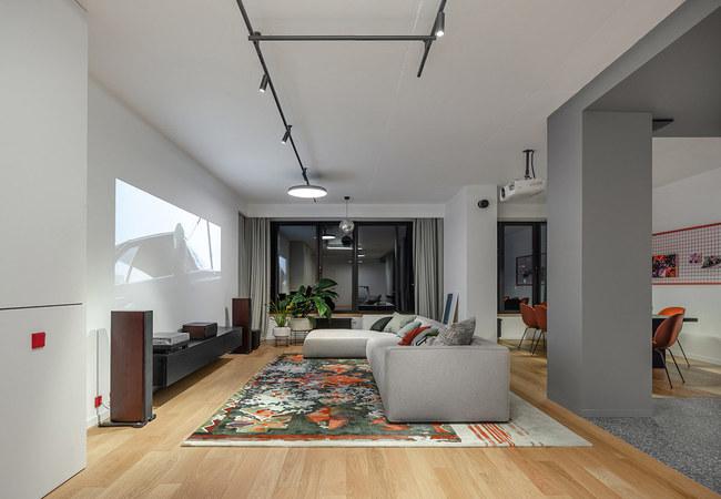 Ngôi nhà được thiết kế trên diện tích 260 m2 tại đất nước Ukraina