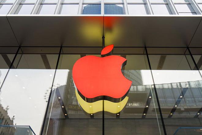 Đến bộ sạc và vỏ bảo vệ iPhone cũng bị đội giá vì thuế cao - 1