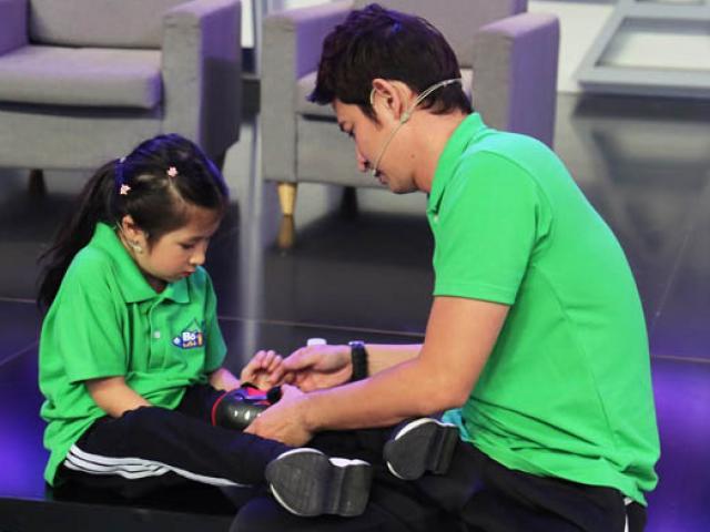 Bố con diễn viên Huy Khánh cãi nhau tay đôi trên sóng truyền hình