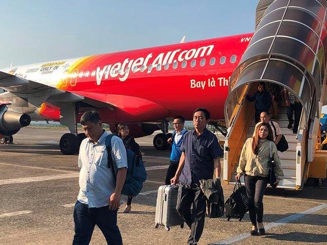 Hàng không Việt tăng cước hành lý, phí đổi tên - 1