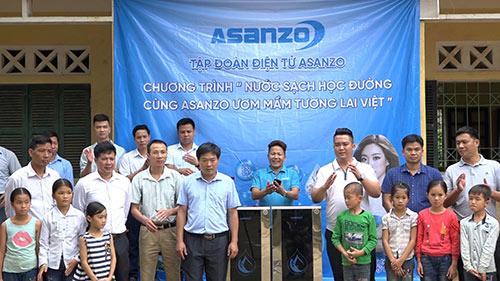 """""""Nước sạch học đường"""" băng đèo lội suối mang nước sạch đến cho trò nghèo tỉnh Yên Bái - 1"""