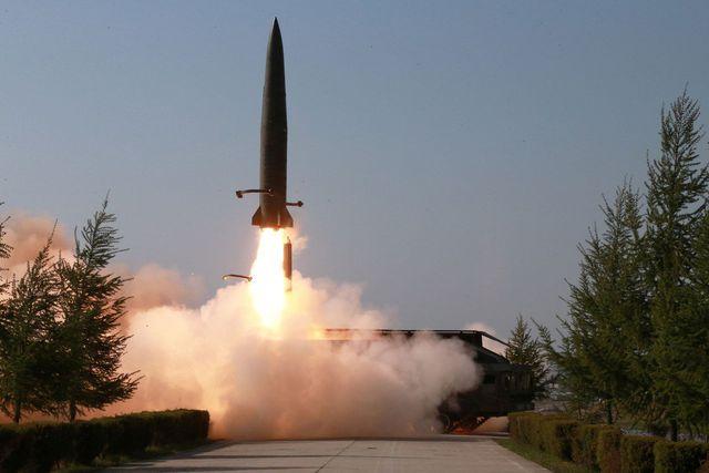 Tên lửa mới của Triều Tiên giống hệt của Nga, có thể chọc thủng lưới lửa Mỹ? - 1