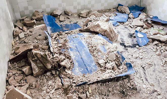 Người đàn ông chuyên bốc mộ kể phút đập vỡ 2 thùng bê tông thấy 2 xác người - 1