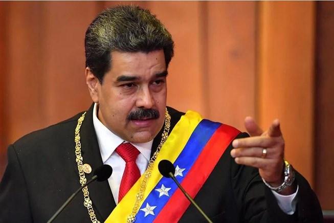 Cảnh sát Mỹ tiến vào sứ quán Venezuela: Ông Maduro lên tiếng - 1