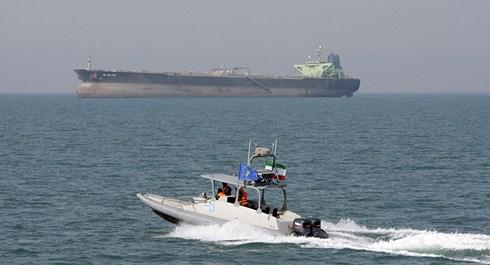 """Hé lộ nguyên nhân khiến Mỹ """"rầm rập"""" triển khai tàu chiến, máy bay gần Iran - 1"""